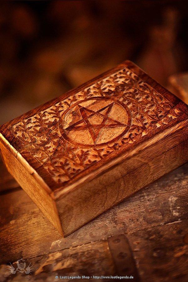 Altarkästchen mit Pentagramm aus Holz