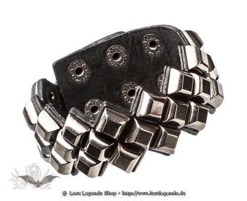 Armband mit großen Nieten