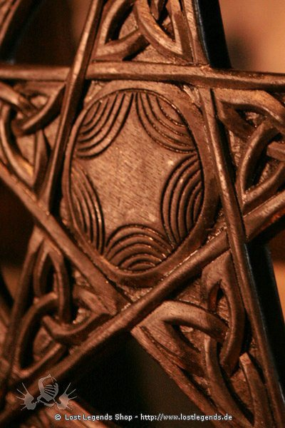Geschnitztes Pentagramm Holz