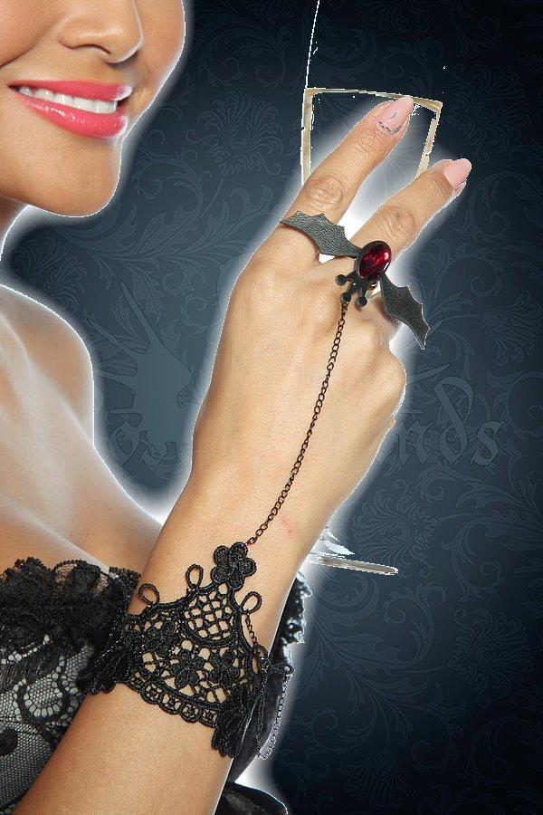 Gothic-Handschmuck mit Fledermaus