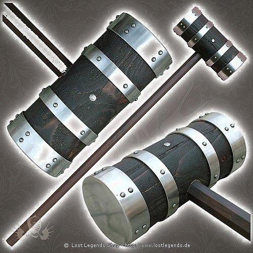 Holzhammer mit Metallbeschlägen