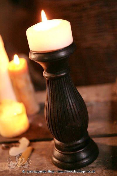 Holzkerzenständer für breite Kerzen
