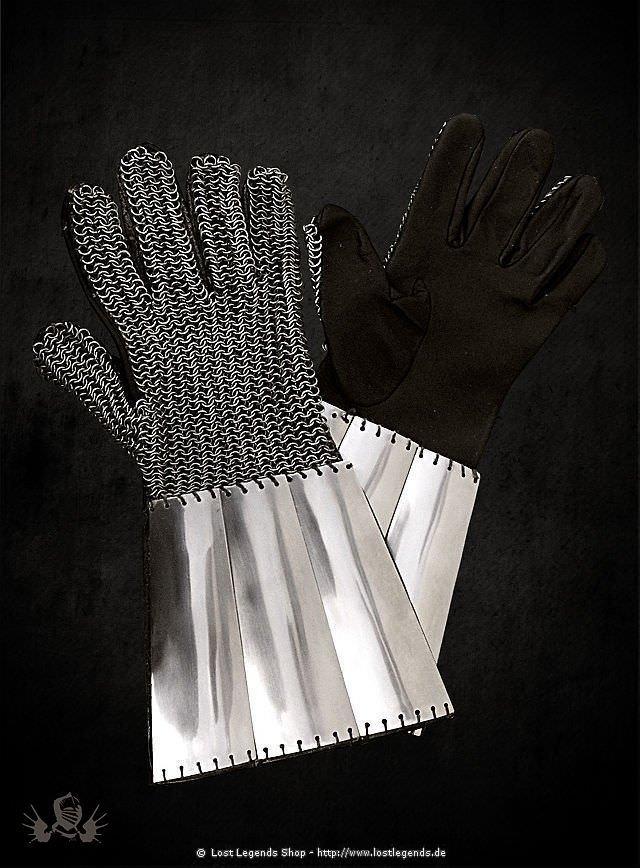 Kettenhandschuhe mit Metallbeschlägen