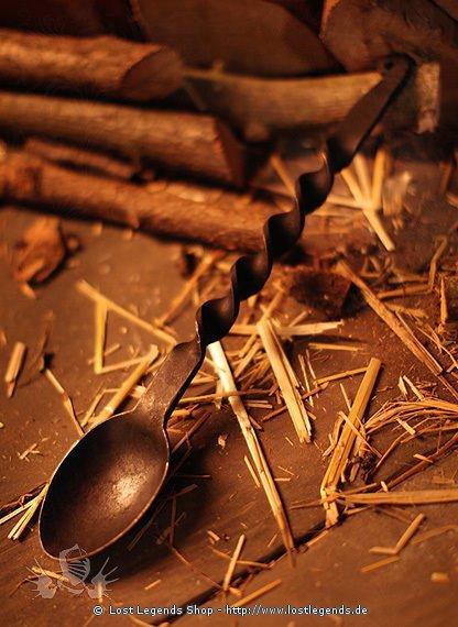 Kochlöffel aus Stahl hangeschmiedet
