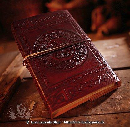 Lederbuch mit keltischem Motiv