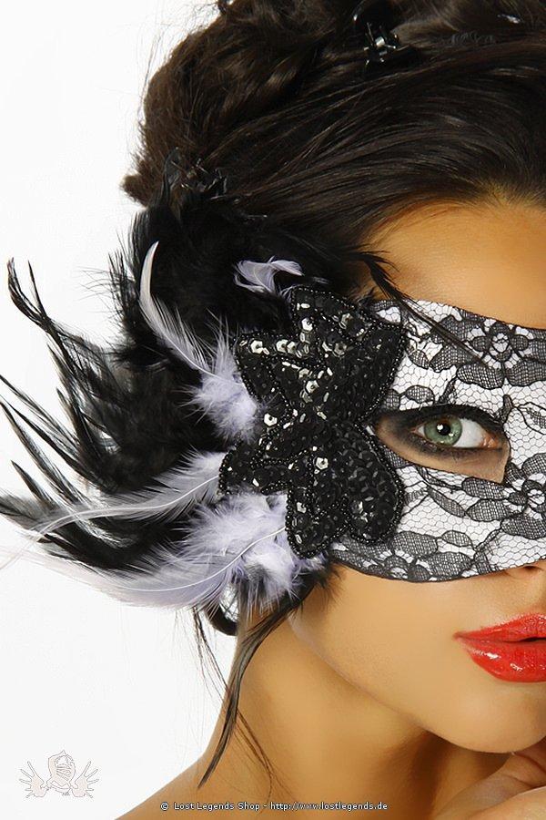 Maske mit Spitze und Pailletten siehe Bild