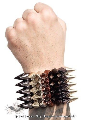 Mehrfarbiges Armband mit Nieten aus Plastik