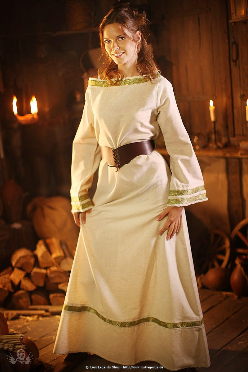 Mittelalter Edelgewand mit Bordüren
