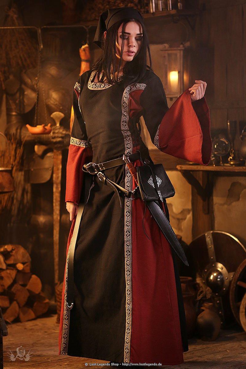 Medieval Dress Elizabeth