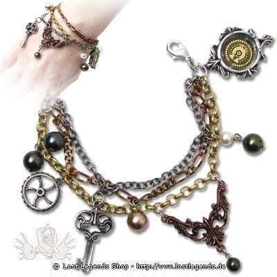 Mrs Hudsons Cellar Keys Steampunk Armschmuck