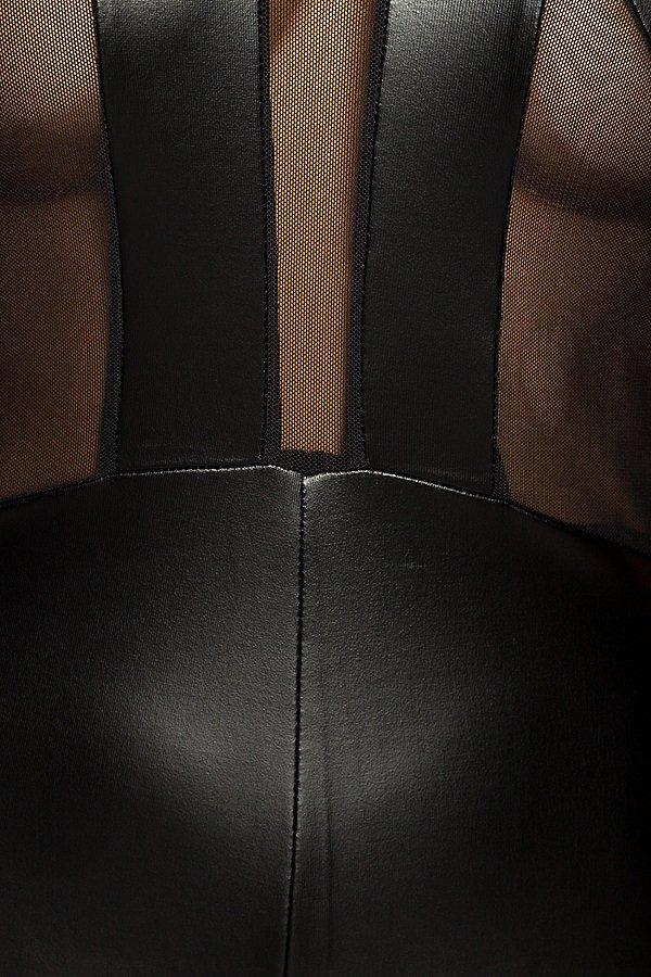 Overall schwarz