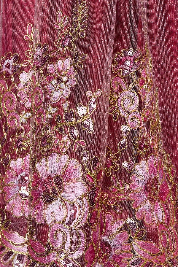 Premium Dirndl mit Stickereien rosa/rot