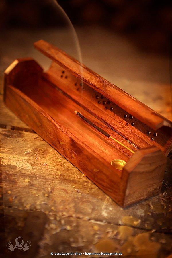 Räucherstäbchenhalter und Dose aus Holz