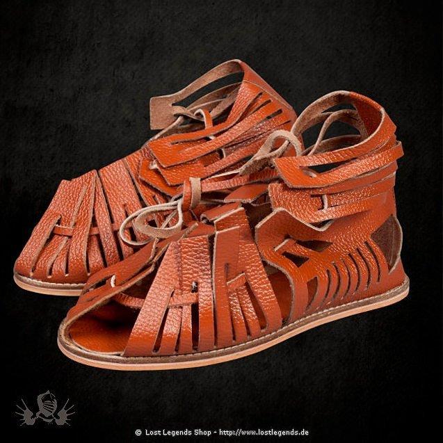 Römische Sandalen braun