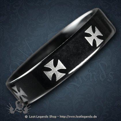 Schwarzer Ring Tatzenkreuz Edelstahl