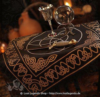 Schwarzes Altartuch Triquetra