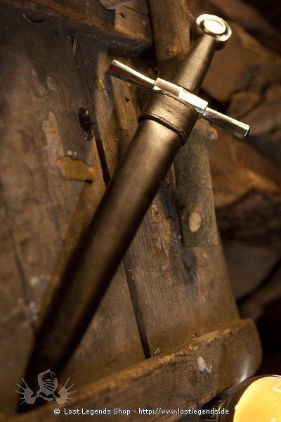 Spätmittelalterlicher Dolch mit Lederscheide Dekoration