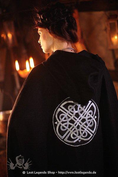 Umhang mit keltischer Stickerei