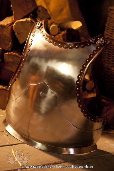 Verzierter Brustpanzer mit Rückentrageriemen