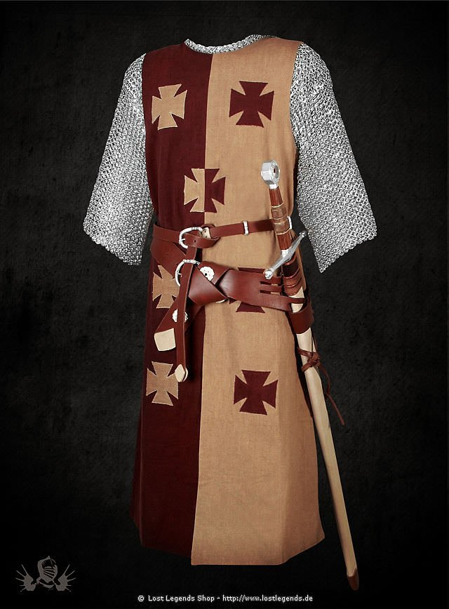 Zweifarbiger Wappenrock mit Tatzenkreuzen