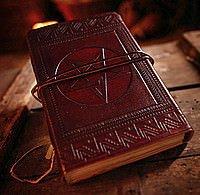 Lederbuch der Schatten mit Pentagramm