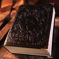 Leder Buch der Schatten mit Pentagramm, schwarz