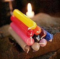 Durchgefärbte Kerzen (8 Artikel)